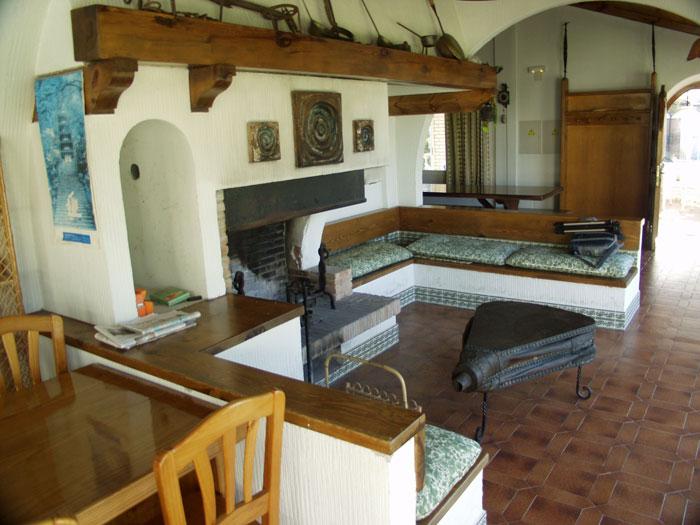 Casa rural arlanz n - Barbacoa de interior ...